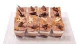 שלושה שוקולדים: חלב, מריר ולבן ושוקולד עוגיות