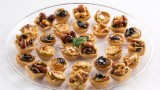 mini tartlets with toffy nuts pear and apple